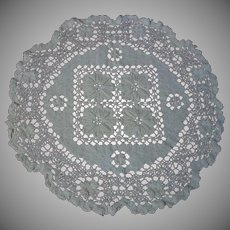 "Antique Hand Made Filet Lace Doily 11"" diameter"