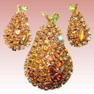 Gorgeous ART Signed PEAR Design Rhinestone Brooch Set