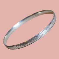 Gorgeous STERLING SILVER Vintage Hammered Patterned Bangle Bracelet