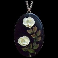 Gorgeous Carved Lucite Vintage Pendant Necklace