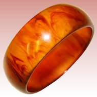 Awesome BAKELITE Root Beer Amber Swirl Vintage Bangle Bracelet