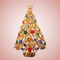 Fabulous ART Signed Rhinestone Christmas Tree Brooch