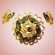 Gorgeous PERIDOT GREEN Rhinestone Brooch Set