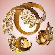 Fabulous TRIFARI Signed Clear Rhinestone Vintage Brooch Set