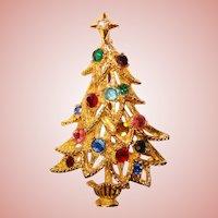 Gorgeous CHRISTMAS TREE Color Rhinestone Vintage Pin Brooch