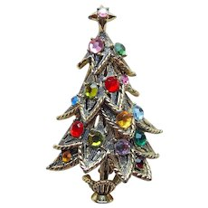 Fabulous HOLLYCRAFT Rhinestone Christmas Tree Signed Vintage Brooch