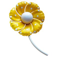 Awesome 1960's Yellow Enamel Flower Power Vintage Brooch