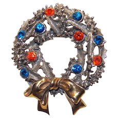 Awesome ART Signed Christmas Wreath Rhinestone Vintage Brooch