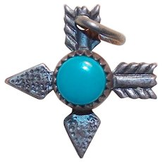 Sterling CROSSED ARROWS Vintage Charm - with Turquoise Colored Stone