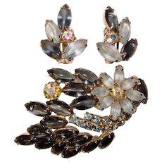 Fabulous SHADES OF BLUE Rhinestone Vintage Brooch & Earrings Set