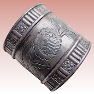 Victorian Aesthetic Silverplated Antique Estate Napkin Ring Holder - Engraved Flowers and Leaves - Silver Plated