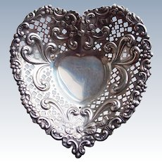 Gorgeous GORHAM STERLING Heart Vintage Footed Dish - Candy Bon Bon or Nut Bowl