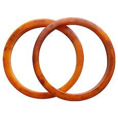 Marbled BAKELITE Amber Orange Rust Red End of Day Vintage Bangle Bracelet Set - Pair of Matching Spacer Bracelets