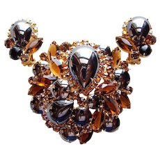 Fabulous D&E Juliana Hematite Color Glass Brown Amber Aurora Rhinestone Vintage Brooch Set
