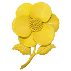 Awesome FLOWER POWER 1960s Yellow Flower Brooch