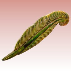 Fabulous Large GREEN BAKELITE Carved Vintage Feather Brooch