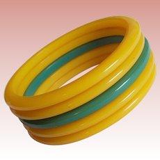 Stack of BAKELITE Egg Yolk Amber & Green Vintage Bangle Set - Spacer Bracelets