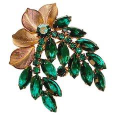 Fabulous D&E JULIANA Green Rhinestone Vintage Brooch