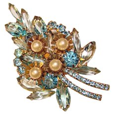 Fabulous D&E JULIANA Aqua Rhinestone Faux Pearl Vintage Brooch
