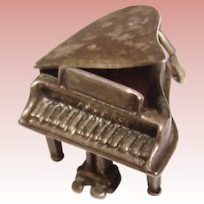 BEAU STERLING Piano Vintage Charm - Mechanical Movable