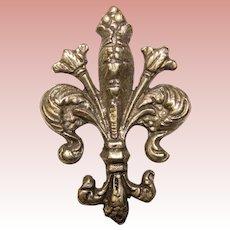 Beautiful Ornate Fleur de Lis Vintage Brooch