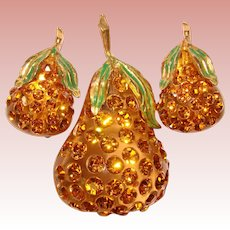 Fabulous FORBIDDEN FRUIT Lucite & Rhinestone PEAR Brooch Set