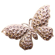 Gorgeous BUTTERFLY Design Vintage Brooch - Retro 1940s Figural