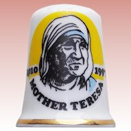 Vintage MOTHER TERESA Porcelain Thimble - Signed Birchcroft