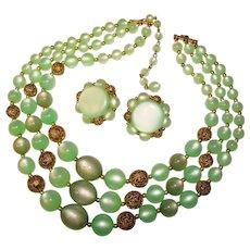 Gorgeous LISNER Green Moonglow Lucite Vintage Necklace Set