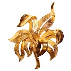 Gorgeous Trifari Signed PLANT Design Vintage Brooch