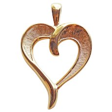 Gorgeous TRIFARI Signed Vintage 1980s Heart Pendant