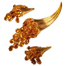 Fabulous AMBER Rhinestone Dangles Vintage Brooch & Clip Earrings Set