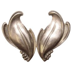 Fabulous STERLING Fluid Leaf Design Vintage Brooch