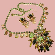 Fabulous D&E JULIANA Peridot Green Aurora Vintage Rhinestone Necklace Set
