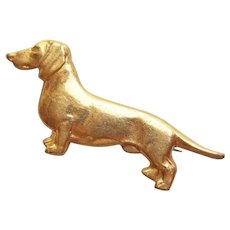 Adorable Small DACHSHUND Dog Vintage Pin - Dachshund Club - Member American Kennel Club AKC - Item # 15680