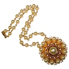 Gorgeous TRIFARI Faux Pearl Vintage Necklace