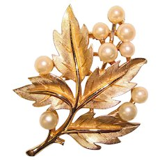 Gorgeous Trifari Signed Leaf & Berry Faux Pearl Vintage Brooch