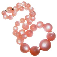 Gorgeous Pink MOONGLOW LUCITE Vintage Beads Necklace