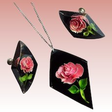Gorgeous Reverse CARVED LUCITE Vintage Necklace Set - Pendant & Earrings