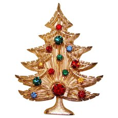 Fabulous CHRISTMAS TREE Signed Vintage Rhinestone Brooch