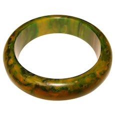 Gorgeous GREEN BAKELITE Marbled Amber Vintage Bangle Bracelet - End of Day