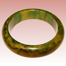 Gorgeous GREEN BAKELITE Marbled Amber Vintage Bangle Bracelet - End of Day