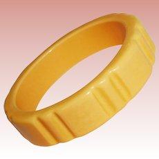 Fabulous CARVED BAKELITE Light Amber Color Vintage Bangle Bracelet