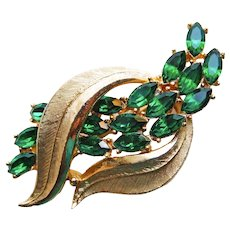 Gorgeous CORO Signed Green Rhinestone Vintage Brooch
