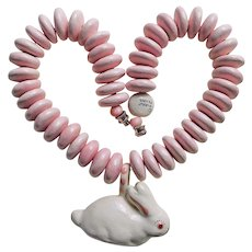 Fabulous PARROT PEARLS Ceramic Bunny Rabbit Vintage Necklace