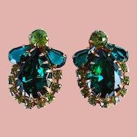 Fabulous GREEN Rhinestone Vintage Clip Earrings