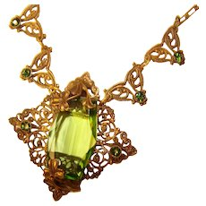 Fabulous ART DECO Filigree Green Glass Stones Necklace