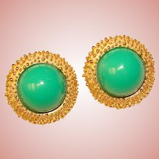 Gorgeous TRIFARI Signed Green Stones Vintage Clip Earrings
