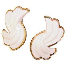Gorgeous TRIFARI Signed White Plastic Vintage Clip Earrings