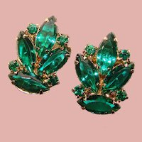 Gorgeous GREEN RHINESTONE Vintage Clip Earrings